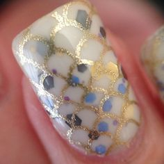 Fish scales by @Pforcefulnails | nail art | white with two-toned blue polkadots gold scales | orly Luxe nail polish | fingernails | Lyndarella | sparkles
