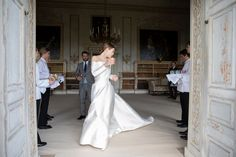 The Bride Wore Emilia Wickstead to Her English Wedding at an Estate - Vogue Dream Wedding, Wedding Day, Rustic Wedding, Gold Wedding, Vogue Wedding, Chic Wedding, Wedding Tips, Wedding Ceremony, Wedding Stuff