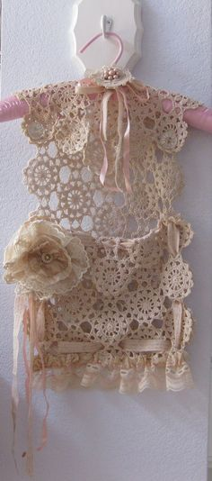Home Interior Grey Coathanger, crochet runner & ribbons create a beautiful, moveable storage pocket Shabby Chic Crafts, Vintage Shabby Chic, Shabby Chic Decor, Vintage Lace, Vintage Sewing, Doilies Crafts, Lace Doilies, Shabi Chic, Fabric Journals