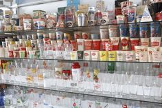 Collecting Vintage Soda Fountain Glasses and Paper Cups  http://www.retroplanet.com/blog/collecting-retro-kitsch/vintage-soda-fountain-glasses-and-paper-cups/