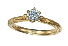 【ケイウノ】おしゃれ花嫁のあいだで人気急上昇! イエロー&ピンクゴールドのエンゲージ | ウエディング | 25ans(ヴァンサンカン)オンライン