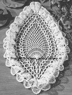 Oval Pineapple Ruffled doily free vintage crochet doilies patterns