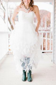 amazing diy wedding, amazing photographer http://www.stylemepretty.com/2012/02/13/diy-wisconsin-wedding-by-valo-photography/
