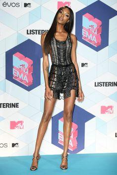 Jourdan Dunn on the red carpet at the 2016 MTV Europe Music Awards.