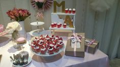 Mesa de dulces Birthday Candles, Table Decorations, Home Decor, Candy Stations, Mesas, Decoration Home, Room Decor, Home Interior Design, Dinner Table Decorations