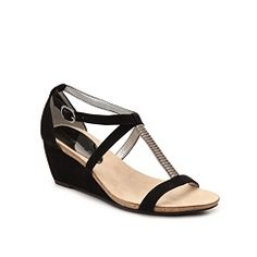 Obsession alert: check out my DSW Wish List! See everything I'm loving now: http://www.dsw.com/wl/1c4b9cf1 #DSW