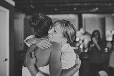 sweet mama hug | Ariel Renae #wedding