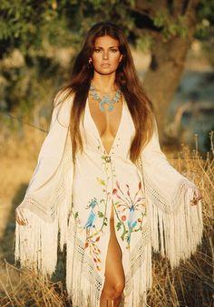 Rachel Welch by Franco Rubartelli, Italian Vogue 1969