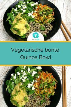 Yumm! Dieses Rezept für vegetarische Bowl mit Quinoa und viel Gemüse ist perfekt für ein leichtes Mittagessen oder ein gesundes Abendessen. Dank der Zutaten enthält die Bowl besonders viele Vitamine und Eiweiß. #abnehmen #diät #bowl #vegetarische #quinoa #intueat