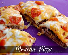 Mexican Pizza - simple copy-cat recipe for Taco Bell& Mexican Pizza. I LOVE the Mexican Pizza, but I don& love Taco Bell& ingredient quality. So this is a fantastic option to have the YUM of Mexican Pizza without the eww of fast food. Think Food, I Love Food, Good Food, Yummy Food, Delicious Recipes, Mexican Pizza, Mexican Dishes, Mexican Food Recipes, Mexican Cheese