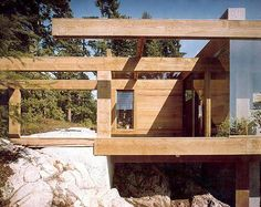 Smith House Exterior by Arthur Erickson with the original stained wood (before it was painted). Architecture Old, Residential Architecture, Amazing Architecture, Contemporary Architecture, Contemporary Houses, Eero Saarinen, Cabana, Modern Masters, Built Environment
