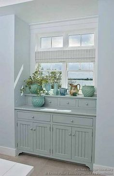 I bet I could make the little window seat thingy in the kids room look a bit more like this.