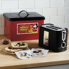Mickey Mouse Toaster With Bread Box In Limited Edition | Toasters + Ovens | Brylanehome