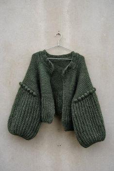 Ravelry: Grey sheep bobble jacket pattern by Neringa Ruke Hand Knitted Sweaters, Sweater Knitting Patterns, Knit Patterns, Hand Knitting, Knitted Poncho, Knitting Designs, Looks Style, My Style, Knit Fashion