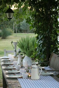 Entertaining в 2019 г. Outdoor Dining, Outdoor Spaces, Porch And Terrace, Beautiful Table Settings, Al Fresco Dining, Deco Table, Outdoor Entertaining, Outdoor Gardens, Garden Design