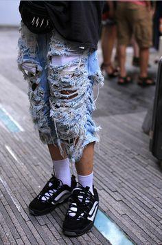 mens_ripped_jeans_streetstyle.jpg 464×700 pixels