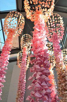 Pracownia Ładnie // 2015 Installation Art, Art Installations, Paper Flowers, Paper Chandelier, Instagram Posts, Projects, Handmade, Diy, Poland
