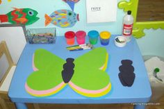 Taming the Goblin: Kids Coop - butterfly art Butterfly Art, Butterflies, Spring Term, Mini Beasts, Animal Crackers, Kindergarten Art, Very Hungry Caterpillar, Garden Path, Eyfs