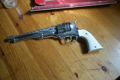 Toy guns---LOOKING TO BUY!!!!