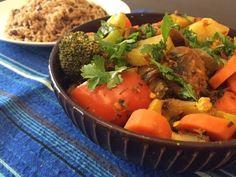 Veg Masala Curry Recipe - Indian Dinner Ideas East Indian Food, Indian Side Dishes, Masala Curry, Vegan Foods, Curry Recipes, Indian Food Recipes, Delicious Desserts, Dinner Ideas, Headbands