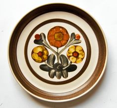 A Love for Pottery & Ceramics English Dishes, Denby Pottery, Quality Kitchens, Pottery Designs, Plates And Bowls, May Flowers, Mid Century Design, Dinnerware, Stoneware