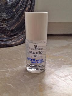 To finish your nail design get a great top coat. I love this one - gives crazy glossy shine and seals your nails with a thick protective layer. I usually apply 3 coats - no need for studio gel nails!