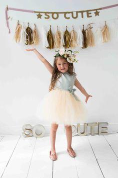 Dress Honey // Bruidsmeisje // Feestjurkje // Exclusieve jurk // Doop // Tule // Tutu // Goud