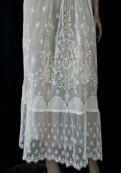 Irish crochet/embroidered tulle tea dress, c. 1912 ~ detail