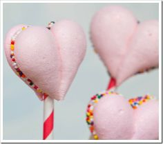 Meringue Heart Pop
