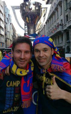 Andrés Iniesta y Leo Messi, de rúa por la Liga