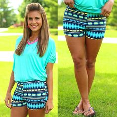Super cute shorts for Summer. And they look just like leggings! Cute Summer Outfits, Summer Wear, Short Outfits, Spring Summer Fashion, Spring Outfits, Casual Outfits, Cute Outfits, Summer Clothes, Summer 3
