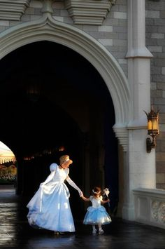 Cinderella. Absolutely adore this picture