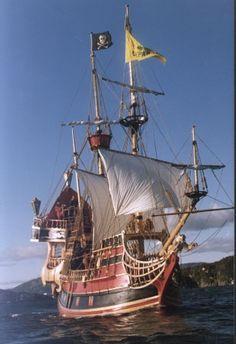De voorkant van dit oude schip hebben we als voorbeeld gebruikt van ons Engelse schip