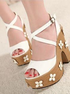 Sweet design good matching sandal