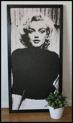 Marilyn Monroe portrait Nabbi beads/Photopearls by thebeardedlady
