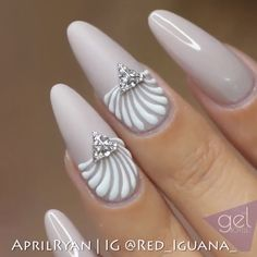 fancy nails autumn nails bright nails getting nails done iredescent nails plain nails - Trend Spring Nails Coffin 2019 Classy Nails, Fancy Nails, Diy Nails, Cute Nails, Pretty Nails, Nail Nail, Nail Art Designs Videos, Nail Art Videos, Nail Design Video