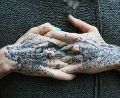 A gorgeous handscape by @laughingloone.