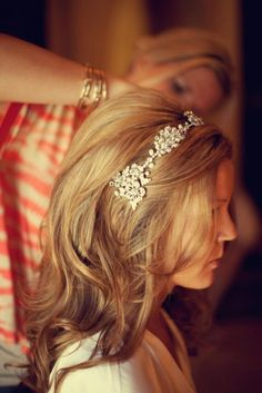 Want a hairband like this for my wedding.