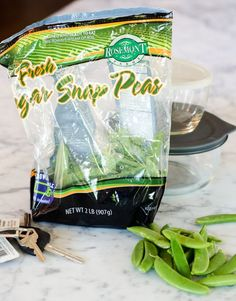 Faiths Healthy Travel Snack:  Sugar Snap Peas! (And Blueberries.)