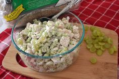 Chicken Salad with Greek Yogurt - I swear you can't tell there isn't mayo in here. might add some red grapes too. Chicken Salad Recipes, Healthy Chicken, Clean Chicken, Skinny Recipes, Healthy Recipes, Great Recipes, Favorite Recipes, Clean Eating, Healthy Eating