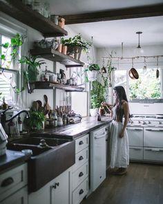 Home Decoration Ideas: Kitchen Interior Design Inspiration. Decorating With Indoor Plants. #greenery #kitchen