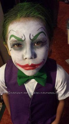 Little Joker and Harley Quinn Homemade Costumes Cool Dark Knight Joker Costume Ideas for KidsCool Dark Knight Joker Costume Ideas for Kids Halloween Tags, Visage Halloween, Halloween Makeup For Kids, Looks Halloween, Homemade Halloween, Halloween 2018, Homemade Costumes For Kids, Dark Knight Joker Costume, Joker Halloween Costume