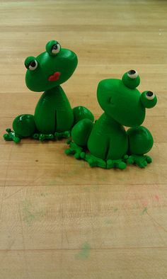 fondant frogs ♥ He's in love ♥