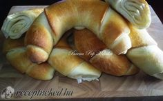 Nem kell elmenned a boltba, hogy egy ilyen finomat egyél Paleo Recipes, Cooking Recipes, Savory Pastry, Hungarian Recipes, Bread And Pastries, Home Baking, Croissant, Food To Make, Food And Drink