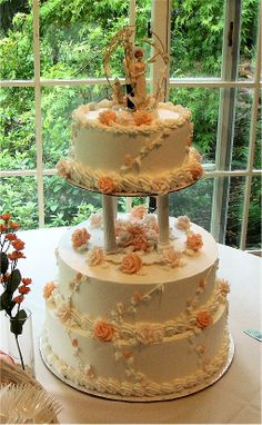 wedding cake with columns 3 tier wedding cake with pillars piped lace and 26852