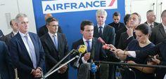"""Manuel Valls contre """"les voyous""""… et contre le syndicat des pilotes ? Check more at http://info.webissimo.biz/manuel-valls-contre-les-voyous-et-contre-le-syndicat-des-pilotes/"""