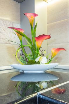 flower on the countertop Countertops, Cool Stuff, Elegant, Kitchen, Flowers, Plants, Classy, Vanity Tops, Cooking