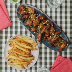 Kung Pao Chicken And Garlic Butter Fries Quick Healthy Meals, Healthy Recipes, Healthy Eating, Pao Recipe, Greek Chicken And Potatoes, Fried Chicken Dinner, Good Food, Yummy Food, Tasty