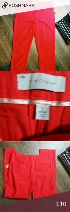 Red pants Cute womens piece! In great condition! GAP Pants Ankle & Cropped