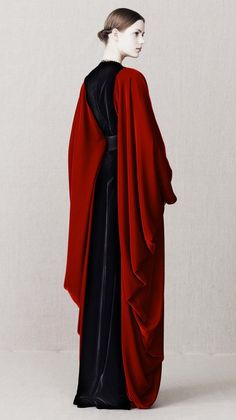 """agameofclothes: What Lady Hornwood would have worn, Alexander McQueen / """"Alexander McQueen Pre-Fall 2013 Looks"""" Alexander Mcqueen, High Fashion, Fashion Show, Womens Fashion, Runway Fashion, Trendy Fashion, Fashion Tips, Fashion Trends, Estilo Indie"""